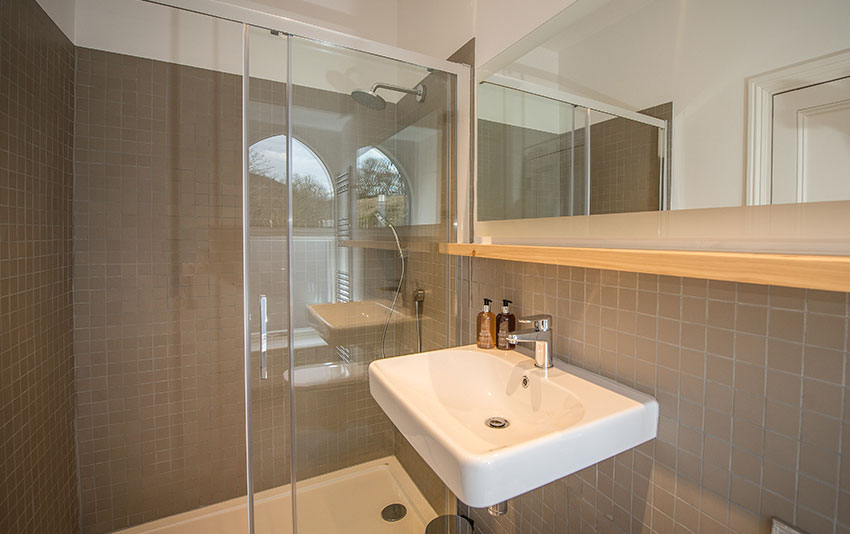 Luxury Whisky Hotel Bathroom